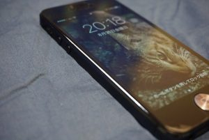 バッテリーが膨れ上がるiPhone5