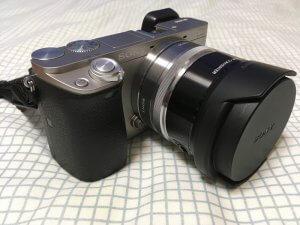 α6000にSEL16F28とワイコンとフロントキャップを装着した外観
